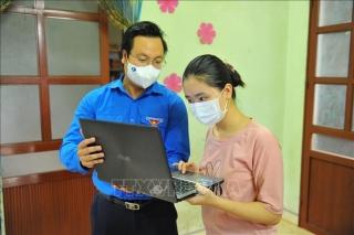 Hỗ trợ học sinh, sinh viên có hoàn cảnh khó khăn mua máy tính, thiết bị học trực tuyến