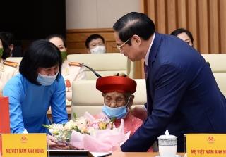 Thủ tướng Phạm Minh Chính: Còn nhiều việc phải làm để chị em phụ nữ có cuộc sống tốt đẹp hơn