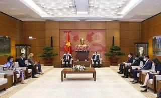 Đề nghị EUgiúp Việt Nam tiếp cận nguồn vaccine COVID-19