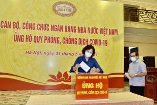 Ngân hàng Nhà nước Việt Nam ủng hộ quỹ phòng, chống Covid-19