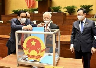 Quốc hội thông qua các nghị quyết về phê chuẩn việc bổ nhiệm các thành viên Chính phủ