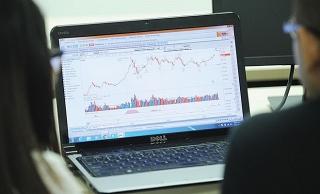 Thị trường chứng khoánvượt khó tăng trưởng bền vững