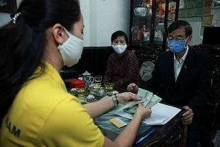 Gộp trả lương hưu, trợ cấp bảo hiểm hai tháng 3 và 4 tại 13 địa phương