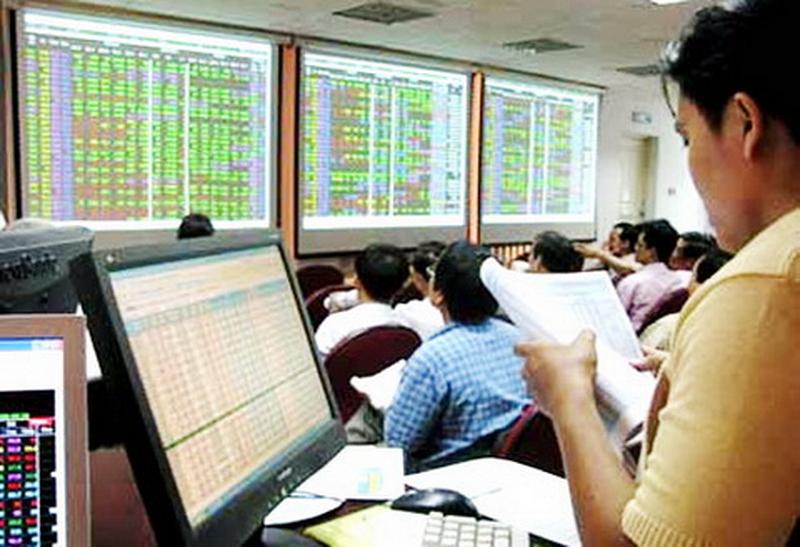 VN-Index lao dốc hơn 26 điểm, thị trường đang diễn biến khó lường