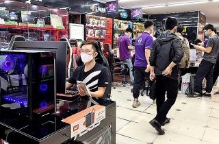Phụ kiện máy tính tăng giá, 'cháy hàng' vì dịch
