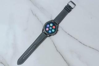4 smartwatch đang giảm giá