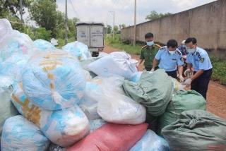 Phát hiện trên 1 tấn khẩu trang lỗi được tái chế nhằm tung ra thị trường kiếm lời