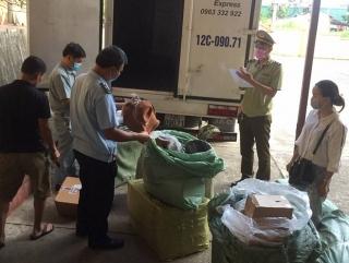 Lạng Sơn: Bắt lô hàng may mặc nhập lậu