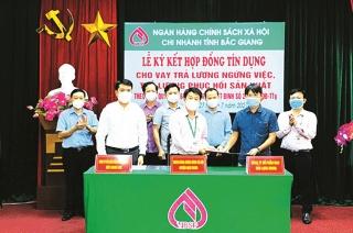 NHCSXH Bắc Giang: Giải ngân vốn ưu đãi giúp dân vượt qua đại dịch