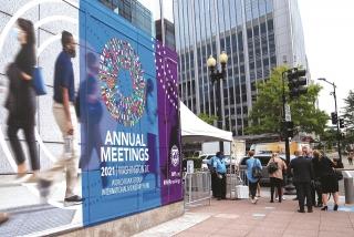 IMF: Tắc nghẽn nguồn cung cản trở sự phục hồi