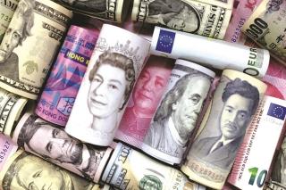 Vị thế của USD lung lay vì trần nợ