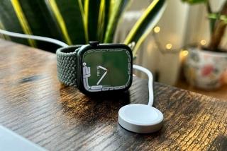 Apple cắt tính năng sạc nhanh của Watch 7 tại Việt Nam
