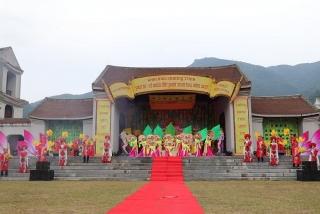 Về miền đất Phật Yên Tử mùa thu này