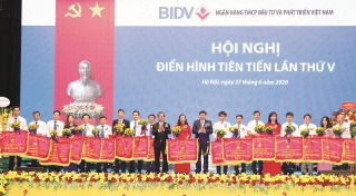 Thi đua - khen thưởng là động lực phát triển của BIDV