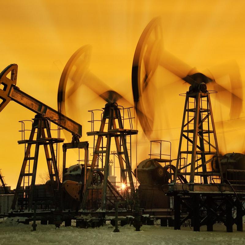 Giá dầu tăng cao nhờ kỳ vọng nhu cầu của Mỹ và châu Âu cải thiện