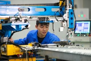 Sản xuất công nghiệp tháng Bảy của Trung Quốc tăng chậm nhất kể từ tháng 2/2020
