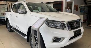 Nissan Navara giảm giá bán đến 50 triệu đồng