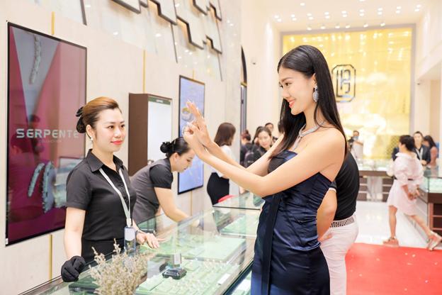 Trang sức thời trang quốc tế tại Showroom Lộc Phúc - Bến Thành