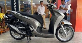 Honda SH 350i nhập khẩu Ý có giá 328 triệu đồng