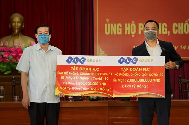 Tập đoàn FLC ủng hộ tỉnh Vĩnh Phúc 3,5 tỷ đồng tiền mặt và hiện vật phòng chống dịch bệnh