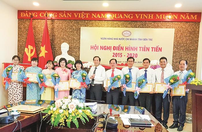 Ngân hàng Nhà nước Chi nhánh tỉnh Bến Tre: Thi đua khen thưởng theo quy trình ISO 9001:2008